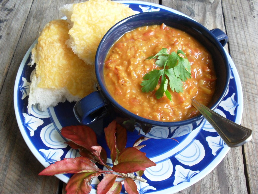 Lightly curried lentil and tomato soup