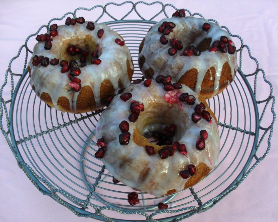 Pomegranate cake recipe