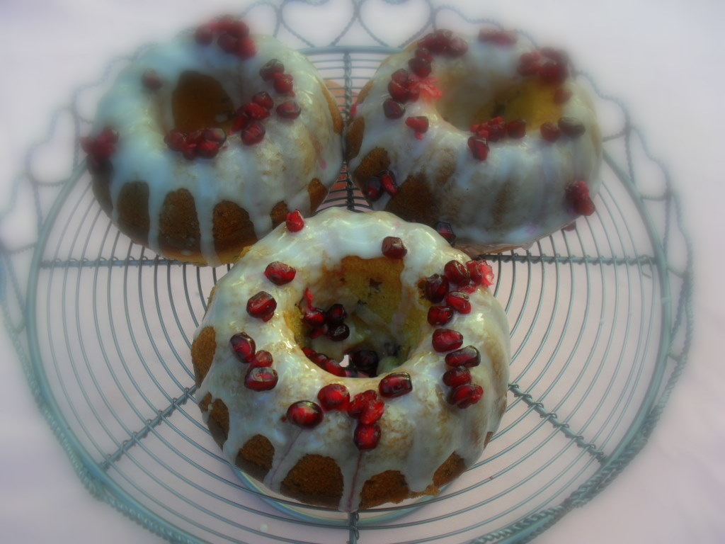Individual Pomegranate cakes recipe
